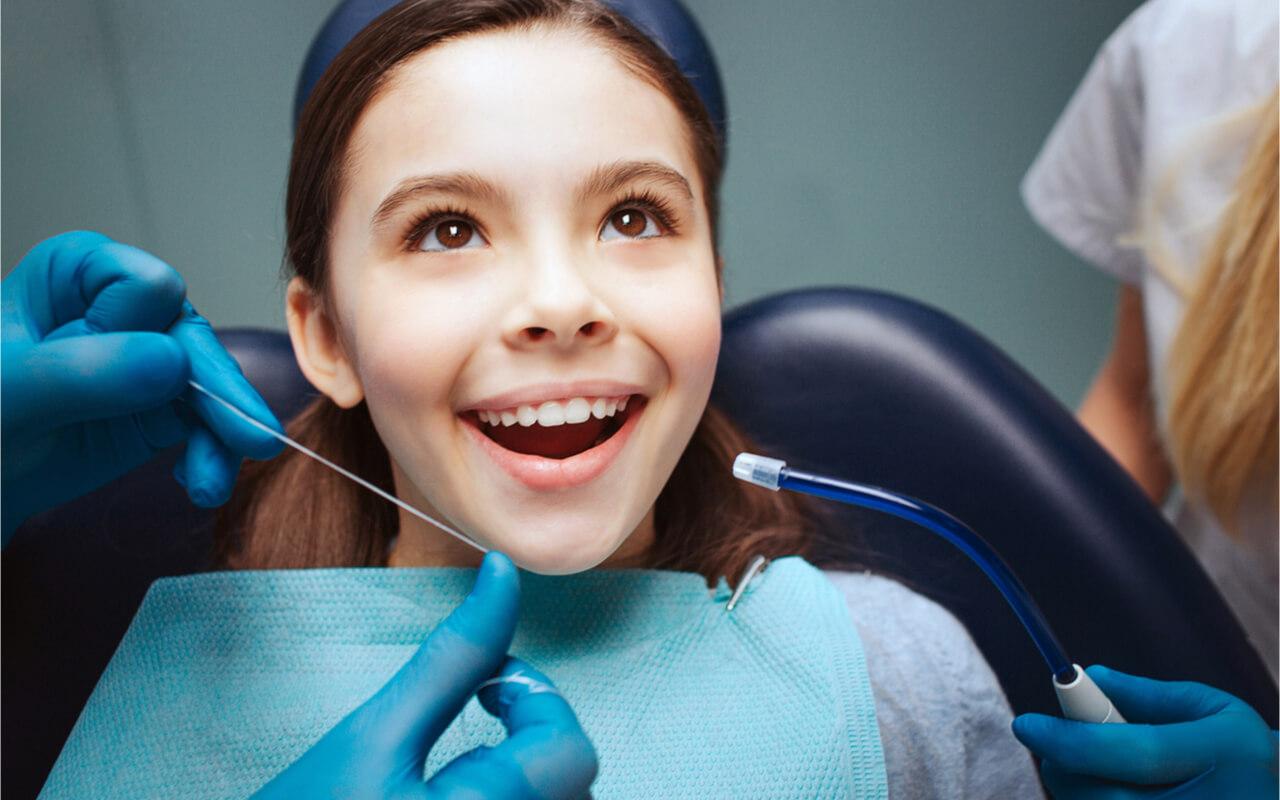 kid dental floss in dental clinic